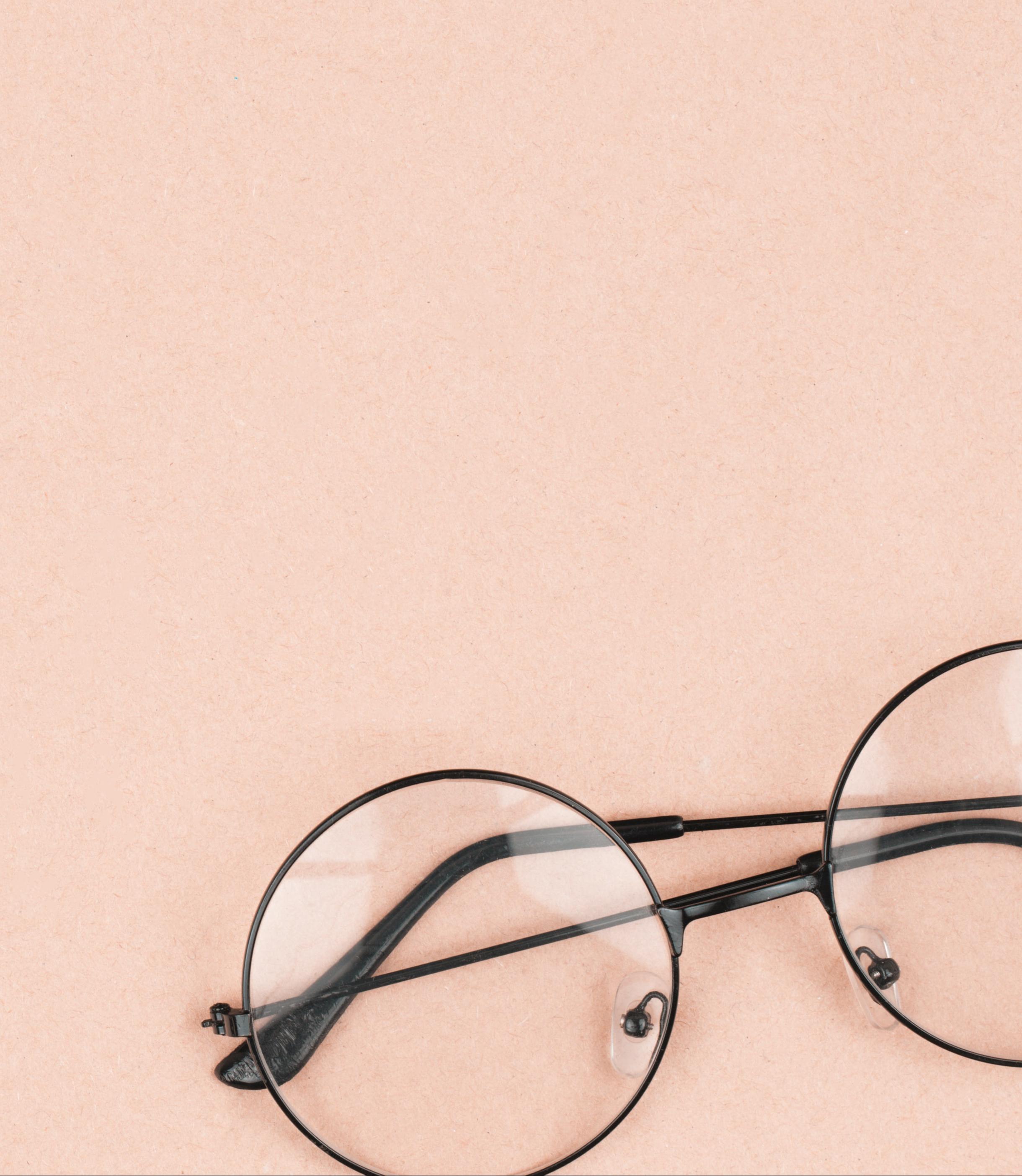 eyeglasses depicting informative content